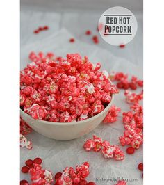 Red Hot Popcorn – Spice up your snack time with this easy cinnamon coated popcorn recipe. It'll make a fun action movie snack! Popcorn Snacks, Candy Popcorn, Flavored Popcorn, Popcorn Recipes, Snacks Für Party, Popcorn Bowl, Gourmet Popcorn, Appetizer Recipes, Tattoo