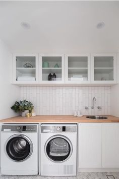 Best Laundry Room Decorating Ideas To Inspire You - Page 31 of 53 - VimDecor laundry room ideas, laundry room organization, laundry room design, laundry room decor Washing Machine, Farmhouse Laundry Room, Laundry In Bathroom, Home Decor, Room Makeover, Modern Laundry Rooms, Room Design, Room Interior