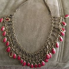 Statement necklace Gorgeous Statement necklace with bronze finish Jewelry Necklaces