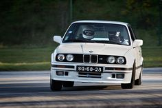 BMW E30 320is, E30s are the perfect drift cars