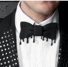 How awesome is the drip effect on this 3D-printed tie? Perfect for Halloween…