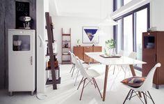Poutavý design programu Malibu mluvísám za sebe. Zakulacené rohyvytváří dojem moderního a zároveň retro nábytku, který nepůsobí... Office Desk, Retro, Table, Furniture, Editor, Design, Home Decor, Ads, Dinning Table Set
