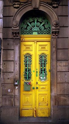 Porta amarela / Yellow Door by Francisco-Porto Portugal on Flickr