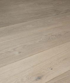 Mooi kwaliteit samengestelde vloerplanken is essentieel voor levenslang plezier en wooncomfort! Wij werken alleen met de beste kwaliteit multiplanken. Planken geschikt voor vloerverwarming. Planken die niet geel of roze worden na het oliën.. Omdat wij altijd zelf producent waren van houten vloeren en vloeren leverden aan parketteurs en bouwmarkten in binnen- en buitenland weten wij ècht waar we het over hebben.. En dat maakt het grote verschil. Hardwood Floors, Flooring, Desks, Wood Floor Tiles, Wood Flooring, Floor