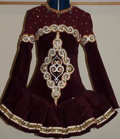 another interesting color Celtic Dance, Irish Dance, Sports Hoodies, Embellished Dress, Dress Designs, Costume Dress, Dance Dresses, Lovely Things, Dance Costumes