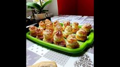Képviselőfánk Házilag Baked Potato, Cauliflower, Muffin, Food And Drink, Potatoes, Baking, Vegetables, Breakfast, Ethnic Recipes