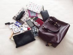 What´s in my Handbag ft. Prada bag Bag: Prada via Ottodisanpietro Wallet: Louis Vuitton iPod Touch in Jimmy Choo case Sony E-R… in 2020 What In My Bag, What's In Your Bag, My Bags, Purses And Bags, Inside My Bag, What's In My Purse, Work Bags, Prada Bag, Girls Bags