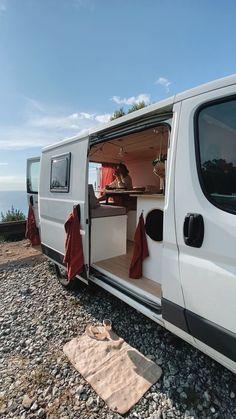Vw Camping, Camping Guide, Camping Ideas, Van Conversion Interior, Camper Van Conversion Diy, Bus Life, Camper Life, Rv Campers, Build A Camper Van