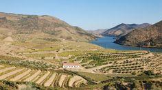 De entre os 10 melhores do mundo, Portugal conseguiu a melhor posição.  O melhor destino turístico para as próximas férias de Verão é...#Portugal
