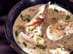 Découvrez la recette Lotte au poivre et au lait de coco sur cuisineactuelle.fr.