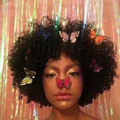 Image uploaded by prada baby. Find images and videos about pretty, hair and black on We Heart It - the app to get lost in what you love. Cute Makeup, Makeup Looks, Hair Makeup, Black Girl Magic, Black Girls, Kreative Portraits, Curly Hair Styles, Natural Hair Styles, Black Girl Aesthetic