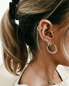 Trendy Ideas For Piercing Oreille Femme Industriel Ear Jewelry, Cute Jewelry, Jewelry Accessories, Jewellery, Circle Earrings, Hoop Earrings, Multiple Earrings, Hanging Earrings, Cute Ear Piercings