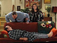 "mike and molly pics of episodes | Mike & Molly Season 3 Episode 2: ""Vince Takes a Bath"" Photos"