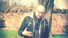 Adriano Forgione sui segreti della Cappella di Rosslyn - Documento #filmato registrato durante il recente #viaggio in #Scozia guidato da Adriano Forgione. Un luogo sacro che presenta numerosi riferimenti a #simboli, #culture e #religioni che non hanno nulla a che vedere con il cristianesimo, come la raffigurazione dell'Albero della Vita della tradizione biblica della Colonna dell'Apprendista, integrata da alcuni riferimenti pagani (i draghi) sconosciuti alla mitologia ebraico-cristiana...