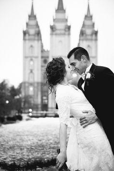 AshleyDallinCreative, Salt Lake Temple, Utah Wedding, Snow, Winter, Wedding Photography, Wedding Videography