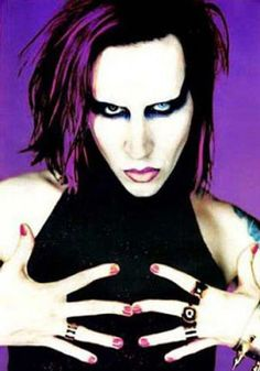 Marilyn Manson - One of my favourite Manson photos. So hot!