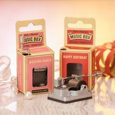 Mini Drehorgel als Gastgeschenk für Hochzeiten im Retro- oder Vintage-Stil!