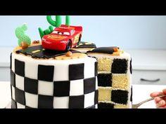 24 ideas for disney cars cake buttercream Vanilla Pound Cake Recipe, Pound Cake Recipes, Frosting Recipes, Disney Cars Cake, Disney Cakes, Checkered Cake, Lightning Mcqueen Cake, Fondant, Inside Cake
