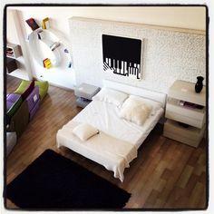 #interiordesign #art 'Mani su pianoforte' inserito nella zona notte del corner LAGO. Costanzelli Arredamenti - Torremaggiore FG