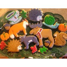 Fall themed wild animal sugar cookies decorated with royal icing. Cookie Frosting, Royal Icing Cookies, Frosted Cookies, Decorated Cookies, Iced Sugar Cookies, Coffee Cookies, Fall Cookies, Holiday Cookies, Set Cookie