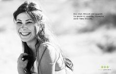 Sii così felice che quando la gente ti guarda, diventa anch'essa felice.  THINK - SMILE  www.studiopensiero.it