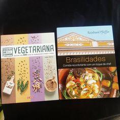 Dica de leitura: recebi esses dois presentinhos da @editoraalaude. Simplesmente adorei! Ambos têm receitas simples, saborosas e saudáveis!  Obrigada https://www.facebook.com/editoraalaude?fref=ts