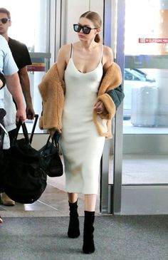 Gigi cant do no wrong / stunning airport style