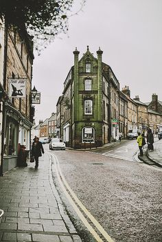 belleeau: untitled - Alnwick, Northumberland, England by ardemonia . on Flickr.