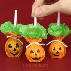The post Amazing DIY Halloween Decoration Ideas appeared first on Halloween Crafts. Dulceros Halloween, Halloween Infantil, Adornos Halloween, Manualidades Halloween, Halloween Designs, Halloween Crafts For Kids, Halloween Food For Party, Outdoor Halloween, Holidays Halloween