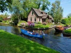 A roadless village in Giethoorn, Netherlands