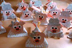 Morgen Abend erwarten wir Besuch. Da es ja der Silvesterabend ist, möchte ich unseren Gästen gerne ein kleines Glücksbringer-Goodie auf den...
