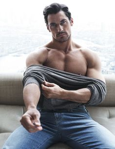 Top male model David Gandy is photographed in a relaxed editorial series by fashion photographers Hunter & Gatti for the latest issue of Código Único. See the shoot below: David James Gandy, David Gandy Body, David Beckham, David Gandy Style, Hommes Sexy, Poses For Men, Good Looking Men, Muscle Men, Male Beauty