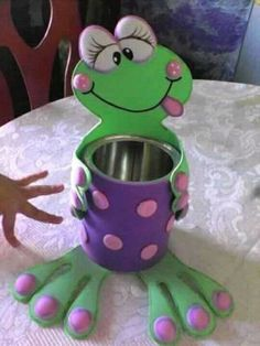 Crafts For Teens To Make, Fun Diy Crafts, Arts And Crafts, Cd Diy, Family Day Care, Crafts With Pictures, Cute Frogs, Felt Decorations, Diy Art
