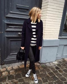 unday🖤 #weekend #december #navy #black #newhai Fashion Me Now, Fashion Days, Winter Fashion, Womens Fashion, Blond, Wearing All Black, Winter Tops, Basic Outfits, Weekend Wear