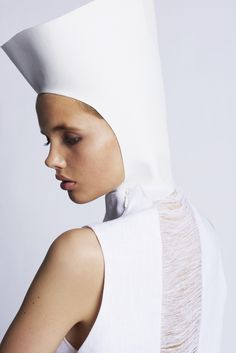 PURITAN - SIMPLICITY -TRANSEASONAL '15  Linen dress & fabricmanipulation Stine Jørgensen