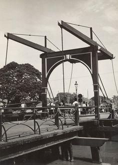 Ophaalbrug bij Pasar Ikan te Batavia 1938.