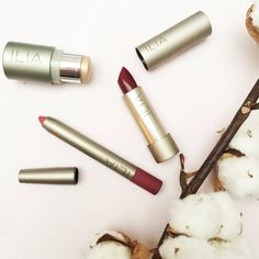 Ce soir c'est le week-end les filles, et pour cela voici une sélection make-up minimaliste 100% @iliabeauty. http://www.moncornerb.com/