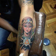 Princesa Zelda de hace unos días  realizado con @artdriver_tattoomachines /// para horas escribir a nimutattoo@gmail.com