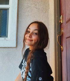 Sarah Betts, Tumblr Girls, My Idol, Lululemon, Summer Outfits, Selfie, T Shirts For Women, Hair Styles, Beautiful