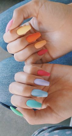 The Most and Glamorous Nail Art Designs For Girls Round nails art is so nice! That's why we found the best nails to motivate you and take you to the local nail salon as… Summer Acrylic Nails, Best Acrylic Nails, Pastel Nails, Summer Nails, Summer Holiday Nails, Nails Summer Colors, Colorful Nails, Nail Colors, White Nail Designs