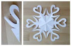 como doblar el papel para cortar copos de nieve