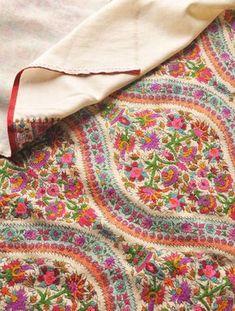 Gulabkar Lahariya Hand Embroidered Pashmina Shawl - This beautiful collectors… Indian Embroidery, Embroidery Patterns, Hand Embroidery, Beaded Embroidery, Motif Paisley, Paisley Pattern, Paisley Print, Rangoli Designs, Kashmiri Shawls