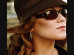 Melody Gardot Deep within the corners of my mind - YouTube