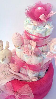 30 Idees De Gateau De Couches Diaper Cakes Helene Houles Gateau De Couches Gateau De Couche Creations