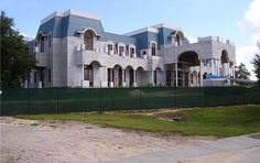 """Just like """"America's time-share king"""", America just keeps on making the same mistakes over and over again. Prior to the financial collapse of 2008, time-share mogul David Siegel and his wife Jackie began construction on their """"dream home"""" near Disney World in Orlando, Florida. This dream home would be approximately 90,000 square feet in size, [...]"""