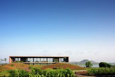 Panorama House / Ajay Sonar | Tectonic House | Essential Prism House | Concrete Material | Hillside | Lake | Metal Structure |