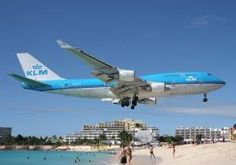 Maho Beach is located on the Dutch side of the Caribbean island of Saint Martin. If you love watching airplanes takeoff and land, this shoul. St Maarten Beaches, Thing 1, Cruise Port, Honeymoon Cruise, Shore Excursions, Beach Bars, Air France, Beach Pictures, Vacation Spots