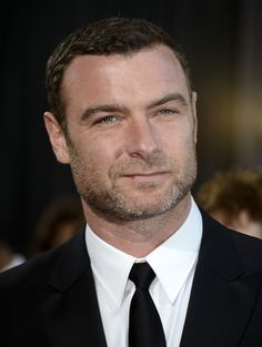 Liev Schreiber | The Official Ranking Of The 51 Hottest Jewish Men In Hollywood //// Dat magnificent nose...