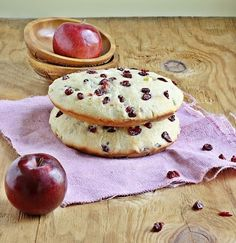 Apple Cranberry Flat bread - A nice and low calorie alternative for a cake (like sweet bread).