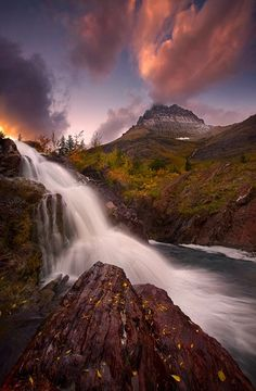 25 Incredible Places Worth To Visit One Day, Glacier Park, Montana, USA